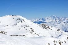 Vue des crêtes, la pointe de la Masse et le Mont Blanc en arrière plan à droite